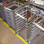 Многоярусная мобильная тележка с выдвижными ящиками